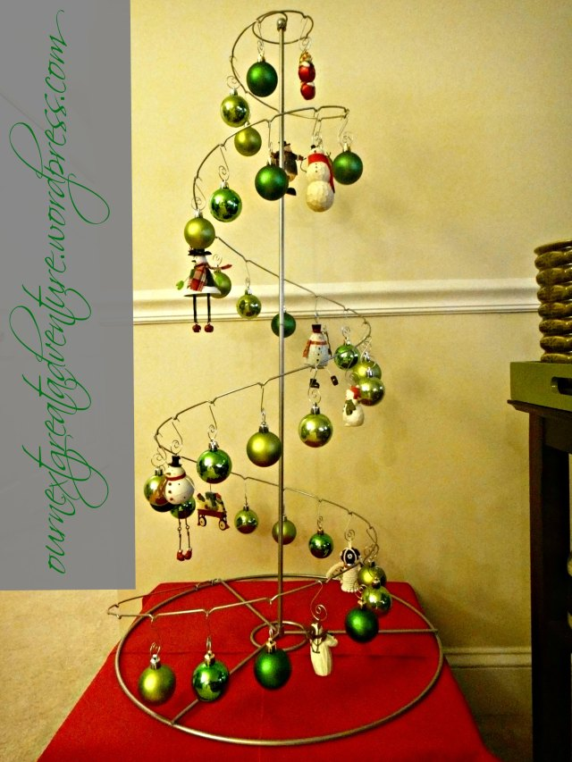 Christmas 2012 Modern Green Christmas Tree