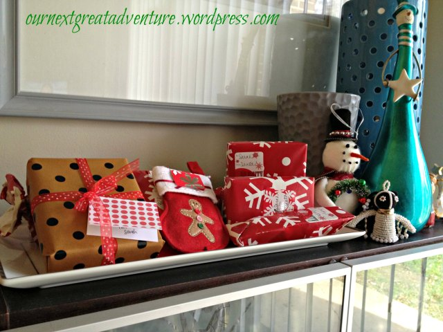 Christmas House - Little Presents