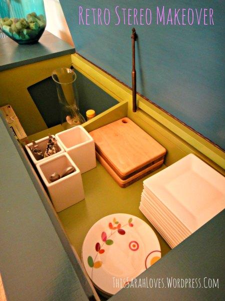 Retro Stereo Cabinet Makeover - Filling up the shelves - #thissarahloves